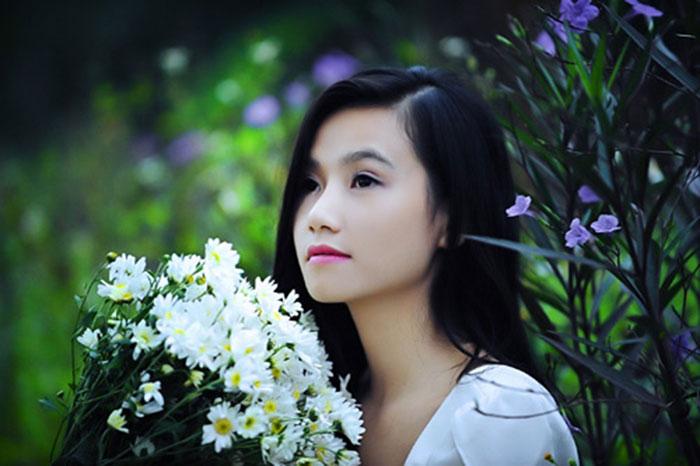Cô hiện đang là MC chương trình Sức sống Việt của VTV3