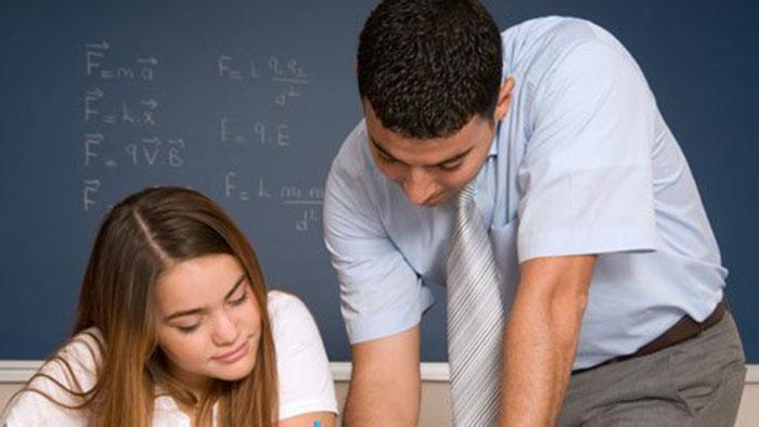 Tình thầy trò - Yêu thầm thầy giáo, phải làm sao?