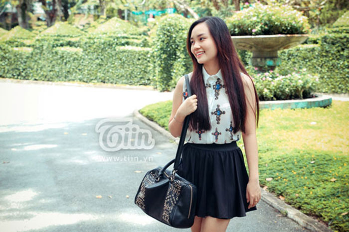 Thiếu nữ Sài Gòn diện phong cách thoải mái dạo phố